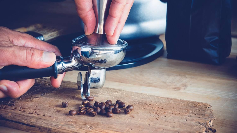 Hướng dẫn chi tiết Cách chọn mua kích cỡ tamper nén cafe espresso chính xác