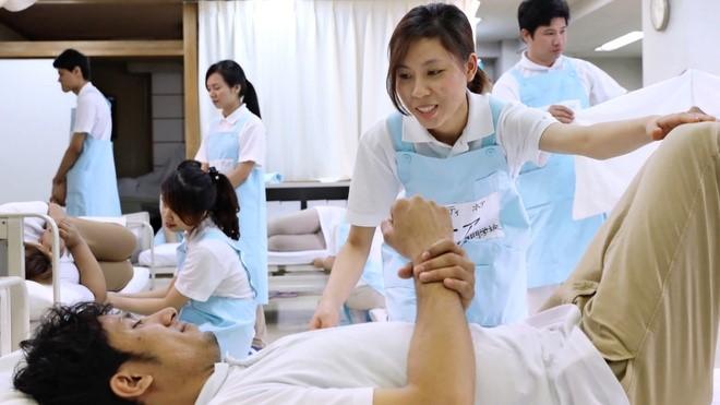Nên lựa chọn trường nào khi học điều dưỡng đi Nhật?