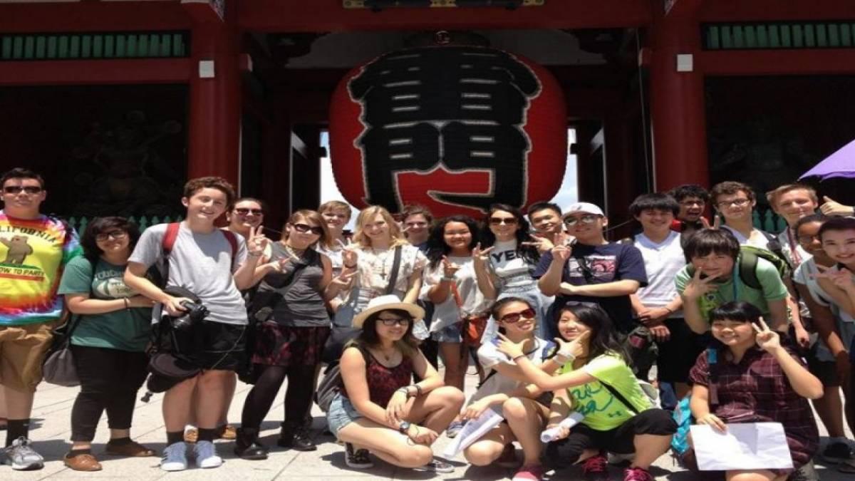 Ngoài việc học, giao lưu văn hóa cũng là một trong những nét đặc trưng của trường.