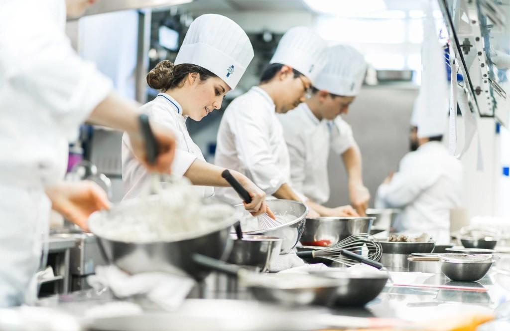 Tuyển đầu bếp Việt Nam đi làm việc tại CHLB Đức- Lương cao- chế độ tốt