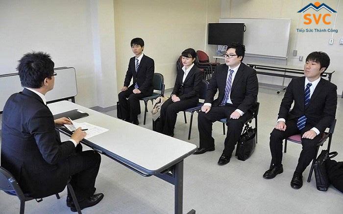 Nhiều bạn trẻ lưỡng lự vì nghĩ tới buổi phỏng vấn xin visa