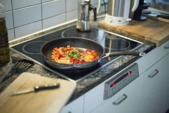 Bếp từ bị hỏng ảnh hưởng tới đời sống sinh hoạt