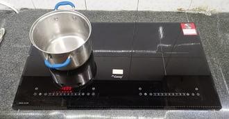 Hiện tượng bếp từ báolỗi e8 khi đang sử dụng