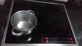 Cách sử dụng bếp từ để tránh gặp hư hỏng
