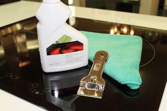 Dụng cụ để thực hiện vệ sinh cho bếp từ