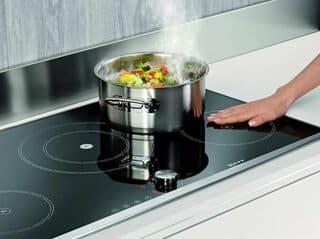 Hiện tượng bếp từ không điều khiển được là thế nào