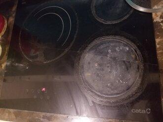 Kính bếp từ bị nứt có nguy hiểm - Giá thay mặt kính bếp từ