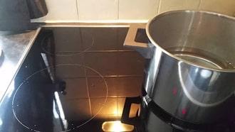 Mẹo sử dụng bếp từ hiệu quả không bị nháy đèn