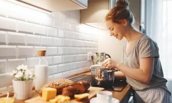Sửa bếp từ nhanh chóng giúp tiết kiệm thời gian