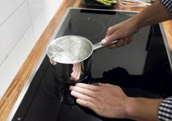 Khắc phục sự cố bếp từ bosch không nóng tại nhà
