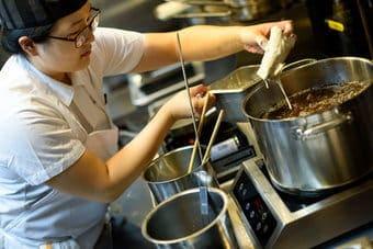 Sửa bếp điện từ để không bị gián đoạn nấu nướng