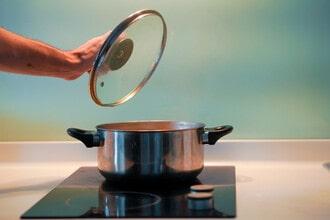 Thợ sửa bếp từ chớp đèn tận tình chu đáo hiệu quả