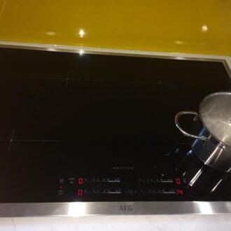Sửa bếp từ aeg loại 4 vùng nấu tại nhà hà nội