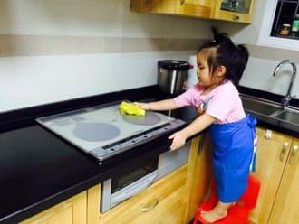 Vệ sinh bếp từ sanyo ngay sau khi nấu nướng