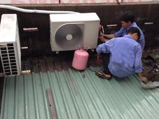 Quá trình khóa gas và tháo máy điều hòa an toàn