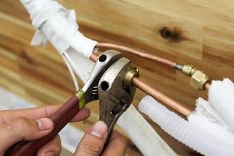 Bắt zacore cho mặt lạnh với ống để không bị hở