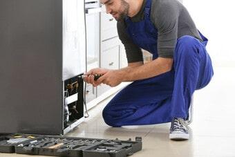 Sửa tủ lạnh bị thủng dàn, mất gas và chạy có mùi