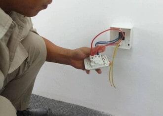 Sửa bình nóng lạnhelectrolux mất nguồn không có đèn
