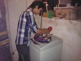 Thợ kiểm tra máy giặt bị mất nguồn tại nhà 24/7