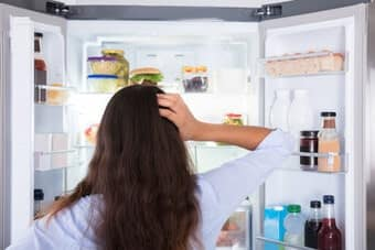 Sửa tủ lạnh không làm đá do bị hỏng quạt đá