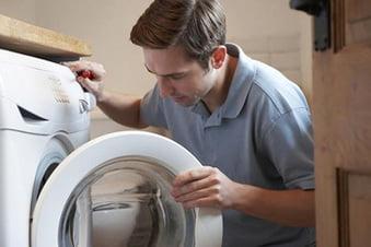 Nguyên nhân máy giặt đang chạy thìbáo lỗi là gì