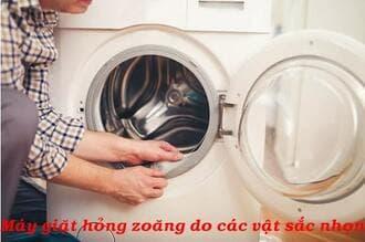Máy giặtelectrolux kêu rung do thủng, hoảng zoăng