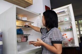Tác hại nguy hiểm khi tủ lạnh chảy nước không lạnh