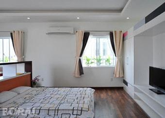 Lắp điều hòa treo tường phòng ngủ master biệt thự